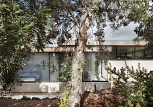Layer House by Robson Rak Architecture + Interiors
