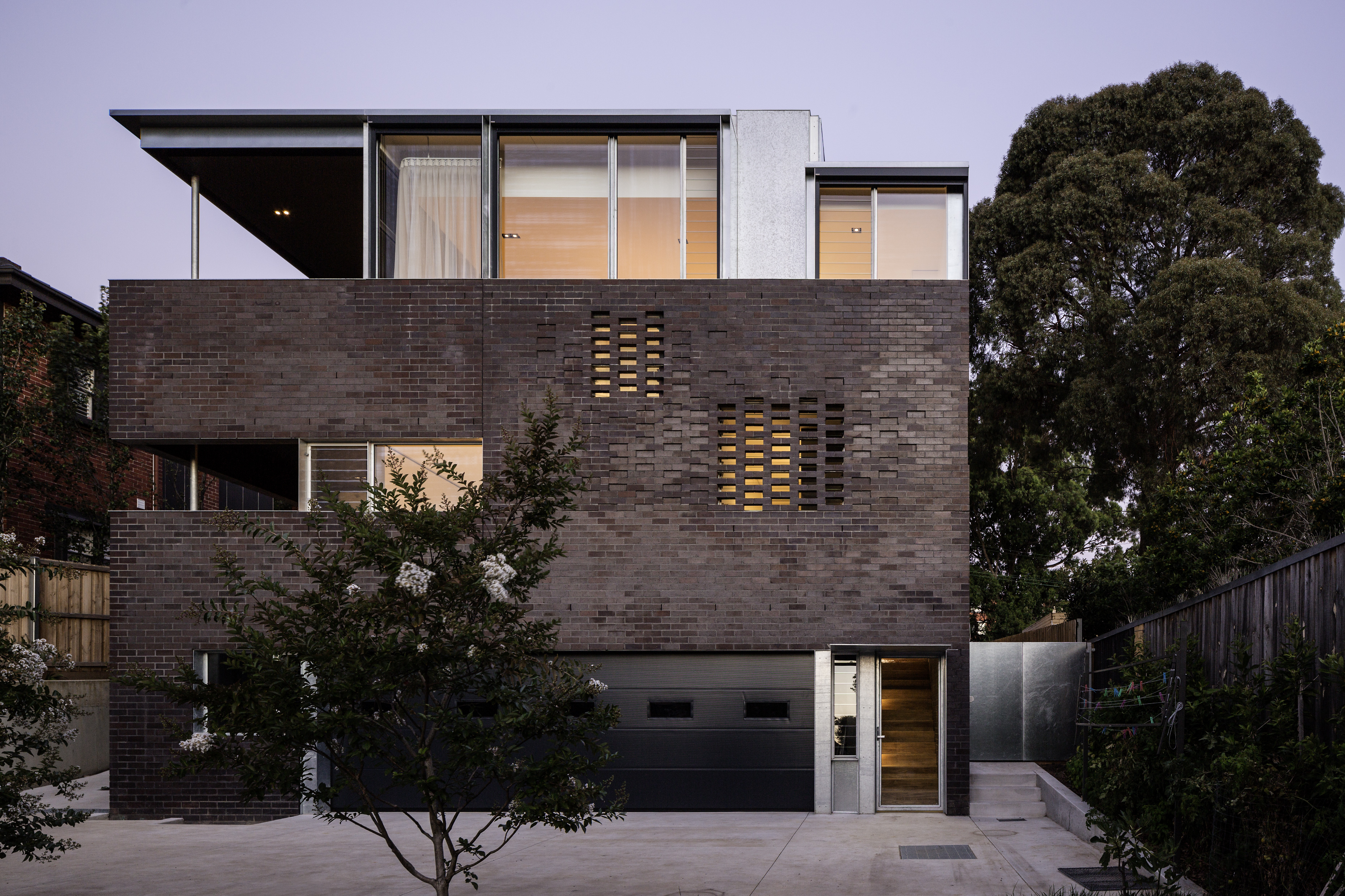 West Hawthorn House by Robert Simeoni Architects. Image by Trevor Mein.