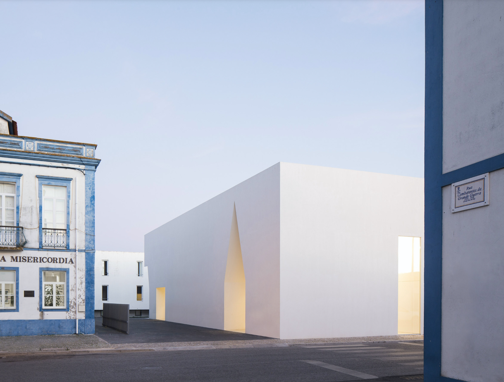 Grândola Meeting Center in Portugal. Image by Nelson Garrido